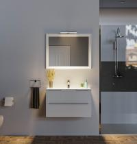 specchio rettangolare verticale con luce per bagno